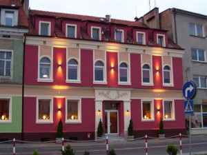baza_hotel pod winogronami