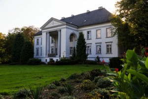 Klasycystyczny pałac